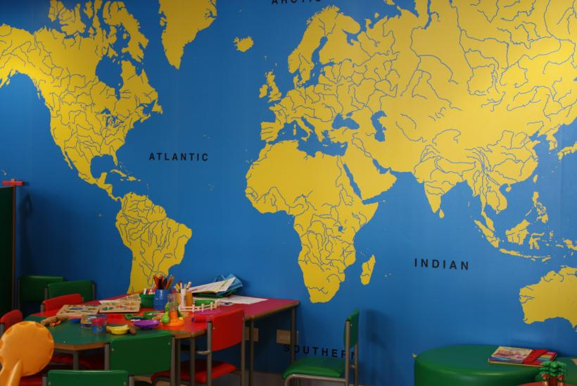 Map of the world in Caterpillar outpatients